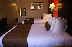 Best Western Plus Dragon Gate Inn bedroom 2