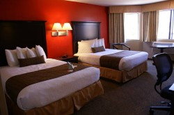 Best Western Plus Dragon Gate Inn bedroom 3