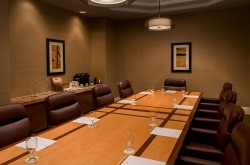 doubletree-by-hilton-los-angeles-downtown-board-room