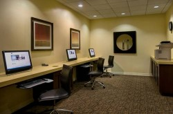doubletree-by-hilton-los-angeles-downtown-business-center