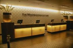 westin-bonaventure-los-angeles-front-desk-2